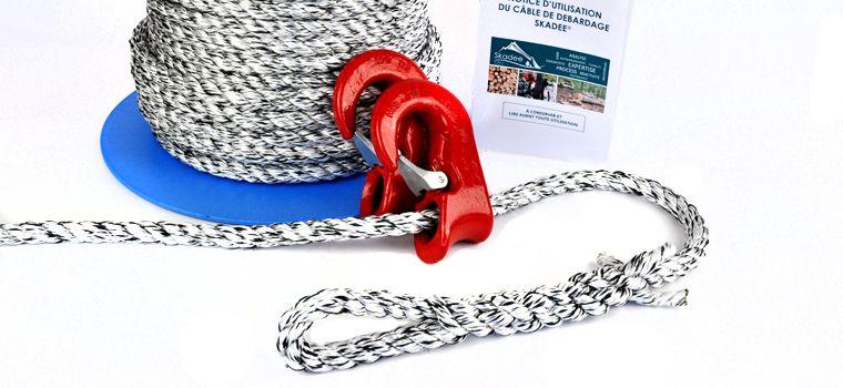 Skadee : un kit complet de câble avec crochet pour le débardage forestier